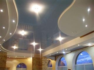 Выбор светильников для натяжного потолка