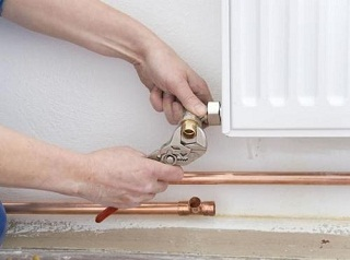 Как удалить воздушную пробку в системе отопления